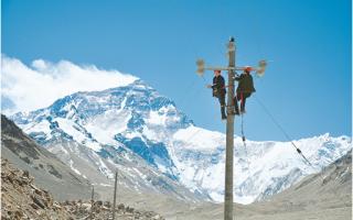 登顶,看高峰珠穆朗玛峰10千伏供电工程